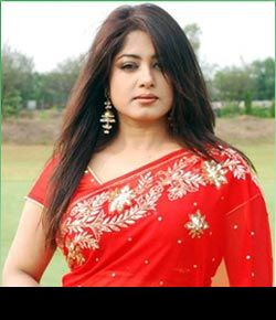 Moushumi-actress-photo-sharee