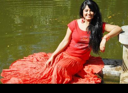 Moushumi-actress-water-dress
