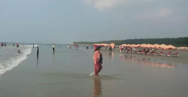 cox s bazar sea beach longest sea beach of the world cox s bazar sea beach bath photo
