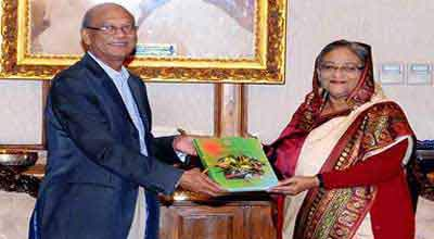 Education Minister Nurul Islam handed over Results to PM Sheikh Hasina