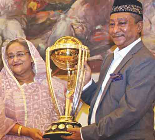 Bangladesh PM hold ICC World Cup 2015 Trophy