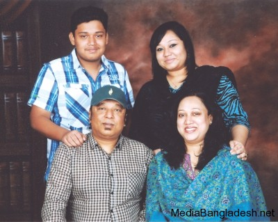 ayub-bachchu-wife-daughter-son