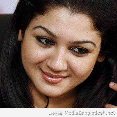 actress-joya smile picture