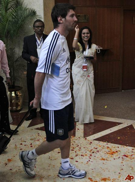 Messi welcome in Bangladesh