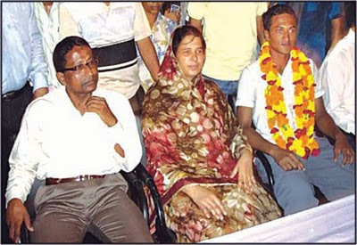 Shakib with Father and Mother